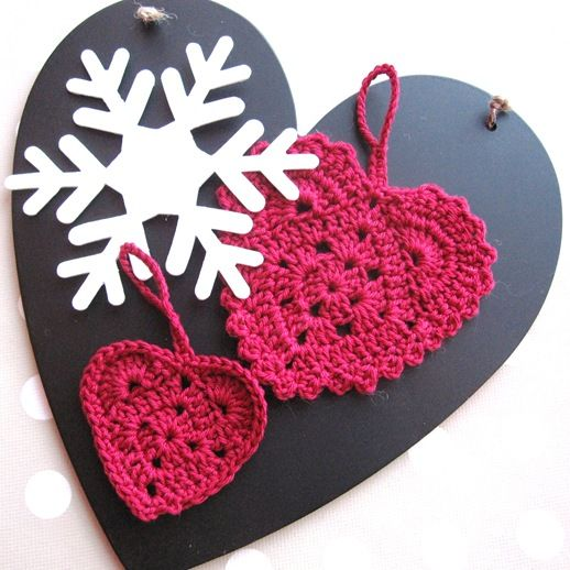 Norwegian blog with wonderful crocheted items!! and patterns....need to translate, but experienced crocheters won't have a problem