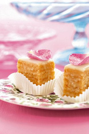 Petit Fours  | SARIE | Tea time treat #french