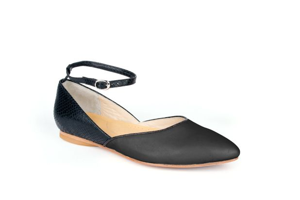 The Modern Mary-Jane by Poppy Barley Made to Measure, colour blocked in Black Python and Essential Black. #Customize your leather colours and hardware. #Handcrafted to your measurements. #Flats #BalletFlats poppybarley.com