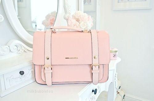 Just love this pink handbag! Totally SELF!!