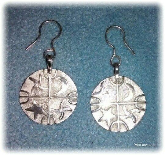 Aros en plata Qultrun, creados por Jorge Vergara.