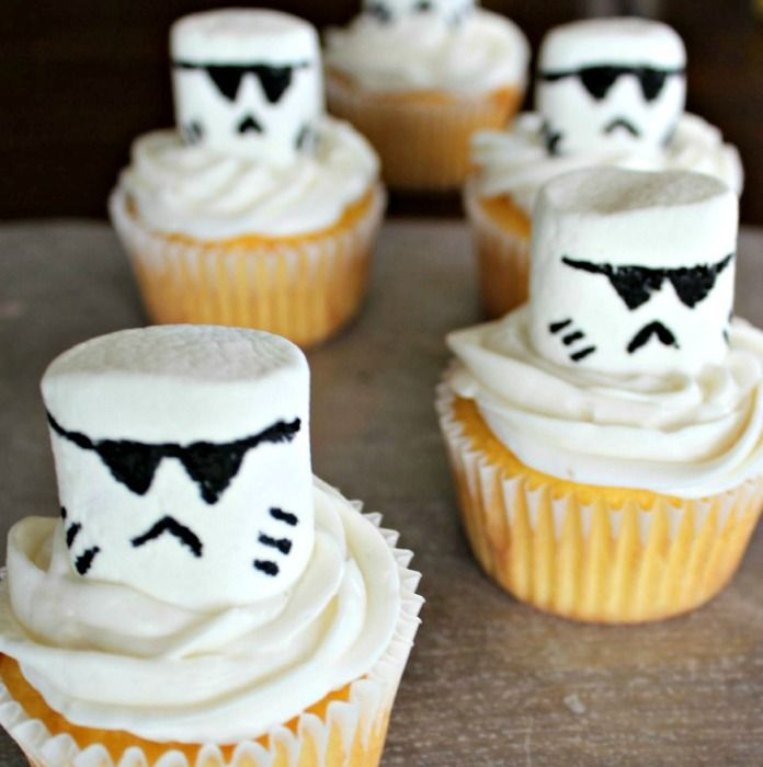 Planning for an upcoming Star Wars themed birthday party or a fun light saber gathering? These storm trooper star wars cupcakesare going to be a hit.
