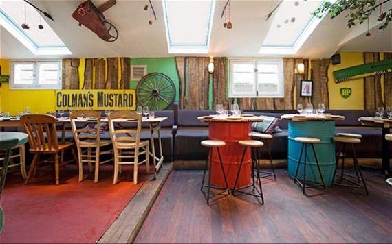casa-bellissimo-blog-mesa-de-madeira-reciclada-mesa-feita-com-tambores-reciclados-decoração-bares-e-restaurantes-restaurante-e-bar-em-Londres-Notting-Hill-41_mini