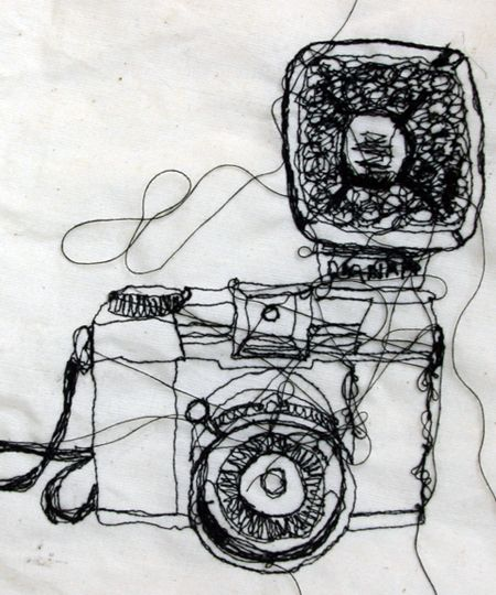 Google Image Result for http://mrstextiles.com/wp-content/uploads/2011/08/machineembroidery1.jpg  Drawing with sewing machine - produces a much freer loose fluid drawing