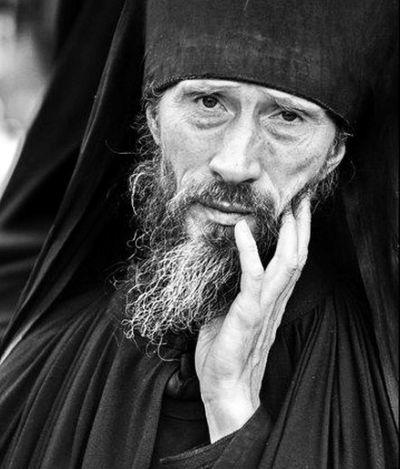 """""""Cel smerit nu poate fi zdruncinat, tulburat. El tot timpul este pregătit pentru orice"""" - Sfântul Nicon   La Taifas"""