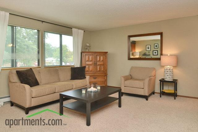Cedar Square Apartments - living room 2 bedroom