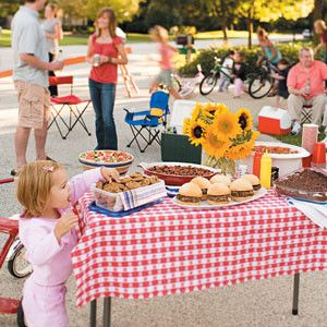 Planning a block party on a budget! Tips, Ideas, Games and more for you summer party!