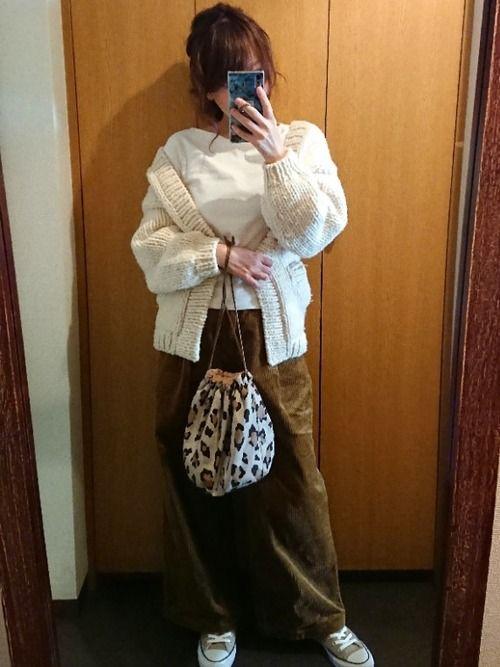 1c5803483eccf1 utahaha UNIQLOのTシャツ・カットソーを使ったコーディネート   My WEAR   How to wear、Bucket  Bag、Fashion