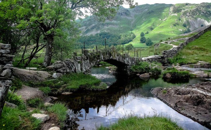 https://flic.kr/p/YHTxwo | Meandering Pathways | 'The Slater's Bridge' Little Langdale, The Lake District, Cumbria, UK