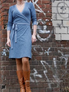 Ein Wickelkleid. Das allererste i n meinem Kleiderschrank .           Auf meiner to s ew Liste stand so ein Wickelkleid schon lange, viele...