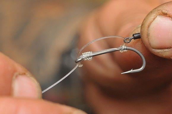 Tie Oz Holness's bottom bait rig