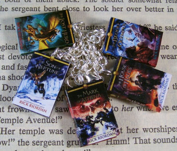 Percy Jackson and The Heroes of Olympus Miniature Classic Novels Book Charm Bracelet    This is a cute little mini book charm bracelet of the Percy Jackson series.  The Lost Hero  The Son of Neptune  The Mark of Athena  The House of Hades  The Blood of Olympus     These books are made to stay closed, the will not open.      *****THESE ARE MADE TO ORDER PLEASE ALLOW 3-5 DAYS TO MAKE AND SHIP*****    I hand age the paper then hand cut each individual page. I put it all together throw in a lot…
