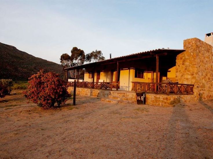 Kareekloof Conservancy- Commando House - Guests hoping for a tranquil mountain retreat will not be disappointed when choosing to stay at Kareekloof Conservancy- Commando House.  Overlooking two dams and located deep within the rugged beauty of ... #weekendgetaways #ceres #southafrica