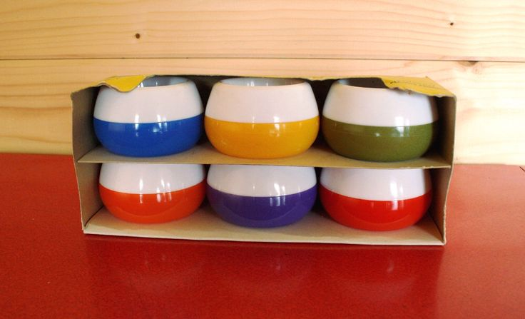 Vintage 50's 60's egg cups RETRO, colour block midcentury non tip egg cups by TheVintageShoppy on Etsy https://www.etsy.com/listing/244524494/vintage-50s-60s-egg-cups-retro-colour