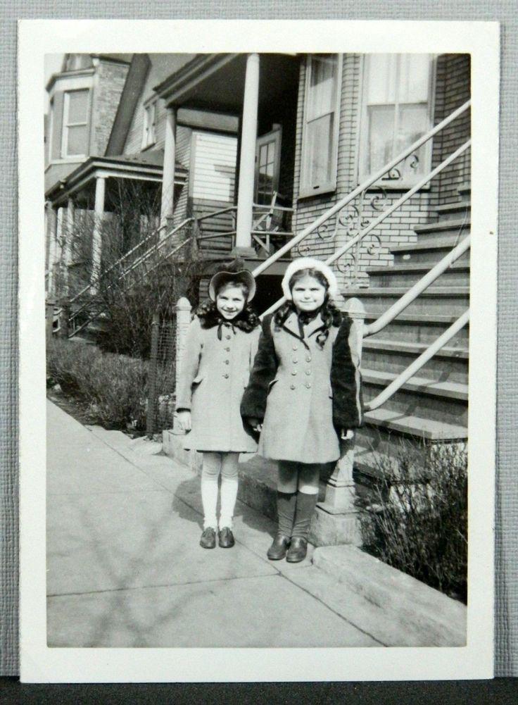 Два милых маленьких девочек пальто, шапки, гольфы-х годов винтаж снимок фотографии | eBay