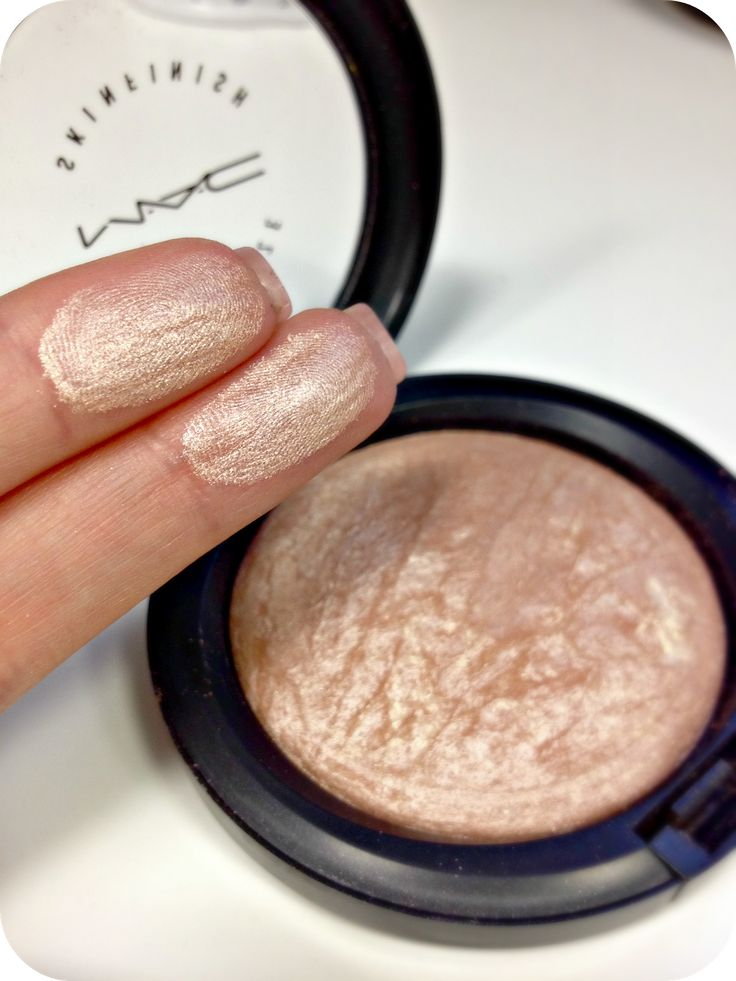 Mac Mineralize Skin finish - Soft And Gentle This can replace highlight and blush.