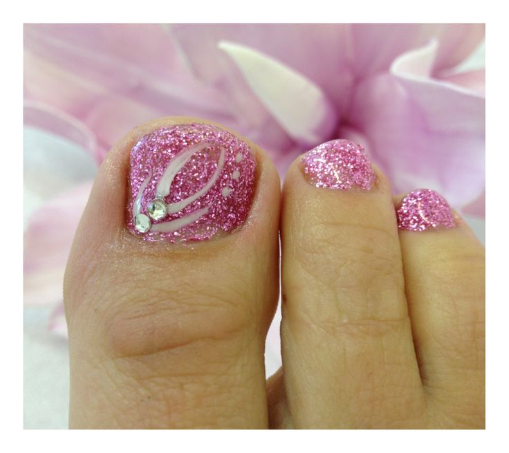 Pink dream toenails