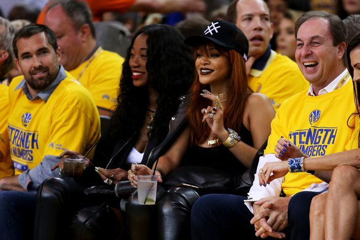 Warriors owner changed seats because he couldn't take Rihanna cheering for the Cavs - SBNation.com