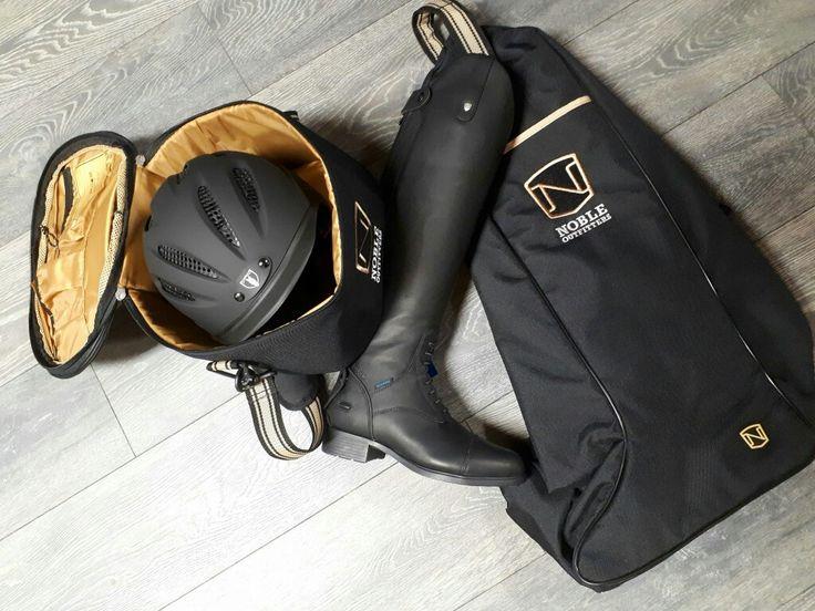 Besoin d'un sac pour ranger, transporter vos bottes et votre casque ! Les accessoires de Noble Outfitters sont faits pour vous : https://chambriere.ca/produits/c-3-le-cavalier/c-110-accessoires.html