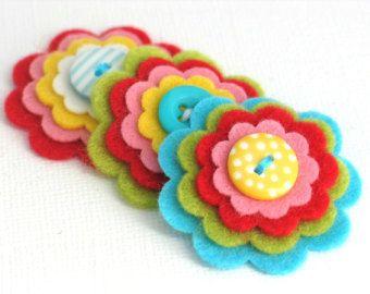 BULK kopen x 20 handgemaakte vilten bloem decoratie