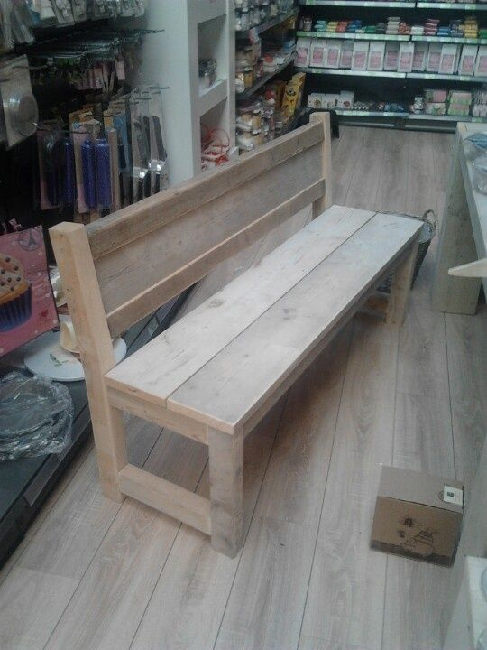 17 beste idee n over houten pallet bank op pinterest for Houten bankje steigerhout