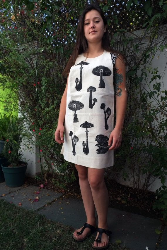 Crossed Back Apron in Raw 100% Cotton with Black by LauraRosa