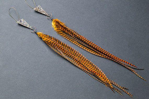 Hammered copper earrings with feathers Copper jewelry Hammered earrings Feather earrings Triangle earrings Arrow Ethnic earrings Tribal