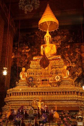 Sitting Buddha statue, Thailand♥♥♥