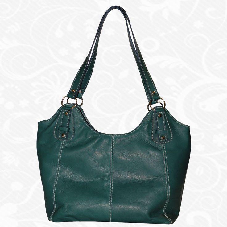 Dámska kožená kabelka vyrobená z jemnej prírodnej talianskej kože. Vycibrený taliansky vkus a zmysel pre detail a štýl sa spája s módnym doplnkom pre každú príležitosť. Výsledkom je nádherná kožená kabelka v atraktívnych farebných prevedeniach s veľkorysým úložným priestorom. Talianske kožené kabelky sú vhodným módnym doplnkom pre každú príležitosť. Vo vnútri kabelky sa nachádzajú vrecká na mobil a iné drobnosti.  http://www.vegalm.sk/produkt/kozena-kabelka-c-8595/