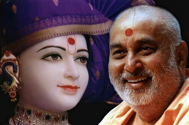 Bhagwan swaminarayan and guru pramukh swami