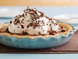 I might try this using a graham cracker crust instead! Mmmmmm...