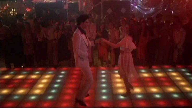 """More than a woman"" (Bee Gees) de la banda sonora de la película "" Saturday night fever "" (1977) dirigida por John Badham e interpretada por John Travolta y Karen Lynn Gorney.#Música de #Cine"