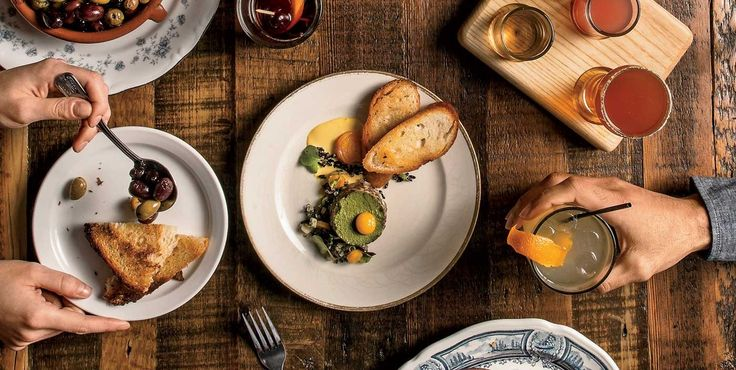 Best New Restaurants 2014 Chicago. Best New Restaurants: One year, 317 meals, 61 contenders—and a final list of 17 new places making Chicago a world-class dining city.  Of the 17 spots on this year's list of best new restaurants—the most promising, innovative newcomers setting the pace in a world-class dining city—guess how many have tablecloths. Ten, you say? Eight? Five? Try three: Nico Osteria, Brindille, and Baffo.