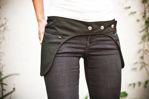 love the idea, though i personally wouldn't want to put anything in those pockets...have enough hip as is!