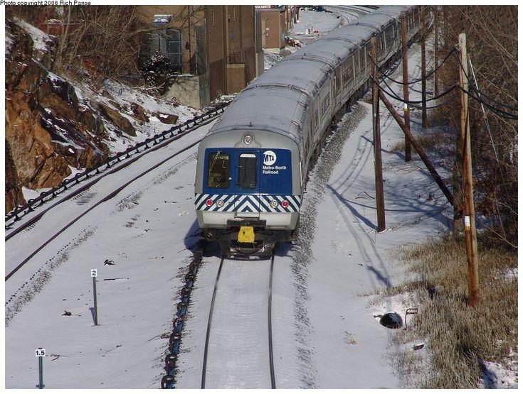 (264k, 1044x788)<br><b>Country:</b> United States<br><b>System:</b> Metro-North Railroad (or Amtrak or Predecessor RR)<br><b>Line:</b> Metro North-Harlem Line<br><b>Location:</b> Mount Kisco <br><b>Photo by:</b> Richard Panse<br><b>Date:</b> 1/15/2006<br><b>Viewed (this week/total):</b> 0 / 1561