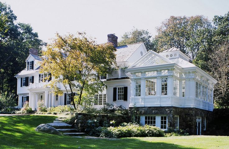 Clapboard Colonial Residence, New Canaan, Connecticut