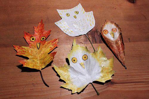 Goedkope knutsel tips voor kinderen en ouders van Speelgoedbank Amsterdam. Goedkoop knutselen met herfst bladeren.