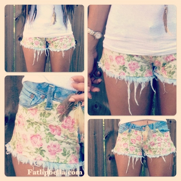 Floral print and frayed
