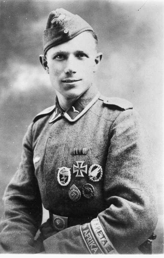Luftwaffe paratrooper with 2 Campaing Cuffbands of Afrika and Kreta , Distintive Veteran Battle Bands.