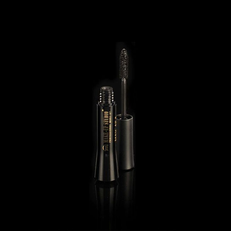 Make-up Studio Mascara Maximum Volume Black 8ml  Description: Mascara Maximum Volume  Price: 16.90  Meer informatie  #kapper #haircutter #hair #kapperskorting