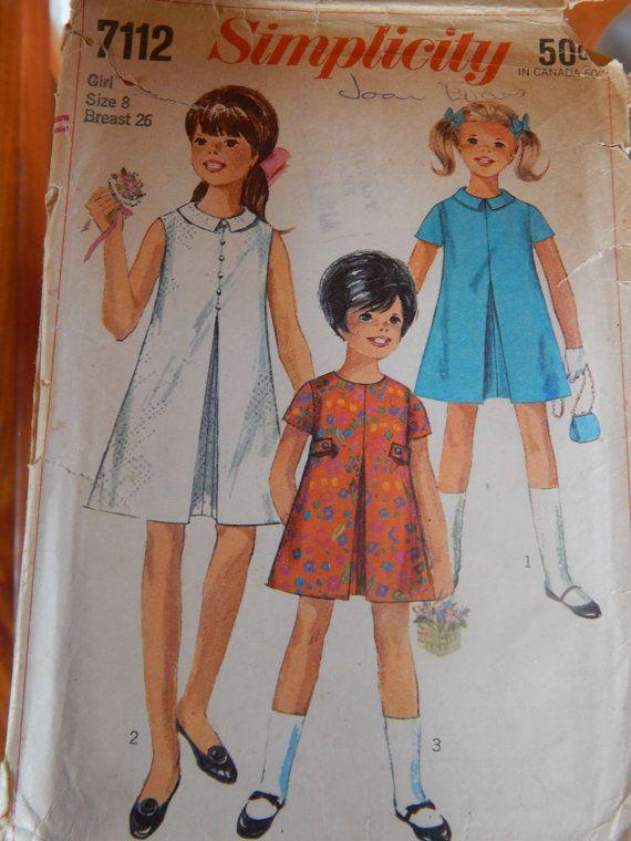 Vintage 1960s Girls Dress Simplicity 7112