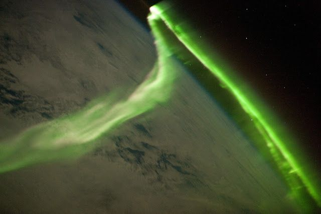 Aurora Australis observed from the International Space Station | Earth Blog
