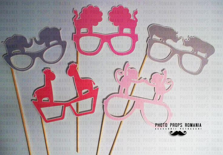 Safari theme for photo booth props  https://www.facebook.com/PhotoPropsBucuresti