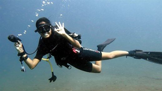 Smiling diver in the clear waters of Philippines #kilroy #diving #diver