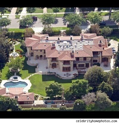 Wow... this is where Jennifer Lopez and Marc Anthony used to live. #Ballin #Pinterest #CelebHomes