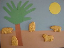 This Safari Collage is an easy and fun craft to make. Just make sure you have some extra cookies for the kids to sample while their making their Safari scene!