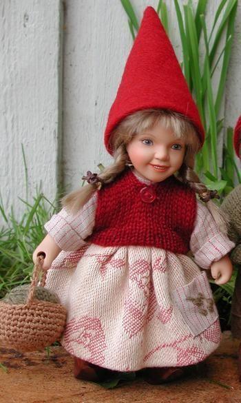 År 2006: Birgitte Frigast nisse, Alma, 22 cm // http://www.nisse-shop.dk/epages/78608_1025911.sf/da_DK/?ObjectPath=/Shops/78608_1025911/Products/32-142