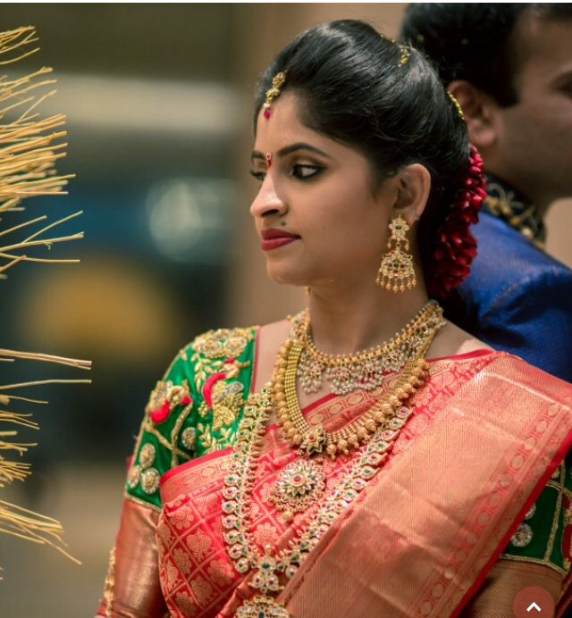 Bridal saree and jwelery
