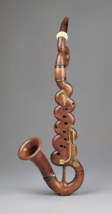Bass clarinet in circa 1820. Nicola Papalini, Italian. Vintage and antique musical instruments are so intriguing.