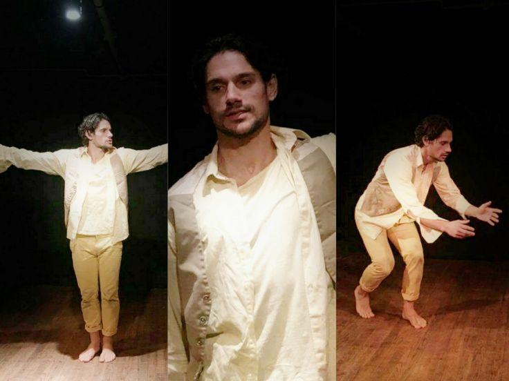 """Μετά την επιτυχία που γνώρισε στην Ελλάδα με τη σειρά """"Μην αρχίζεις τη μουρμούρα"""" ο ηθοποιός Πάνος Βλάχος ζει το προσωπικό του όνειρο στην άλλη πλευρά του Ατλαντικού.  ---------------------------------------------------- #actor #art #America #fragilemagGR http://fragilemag.gr/panos-vlachos/"""